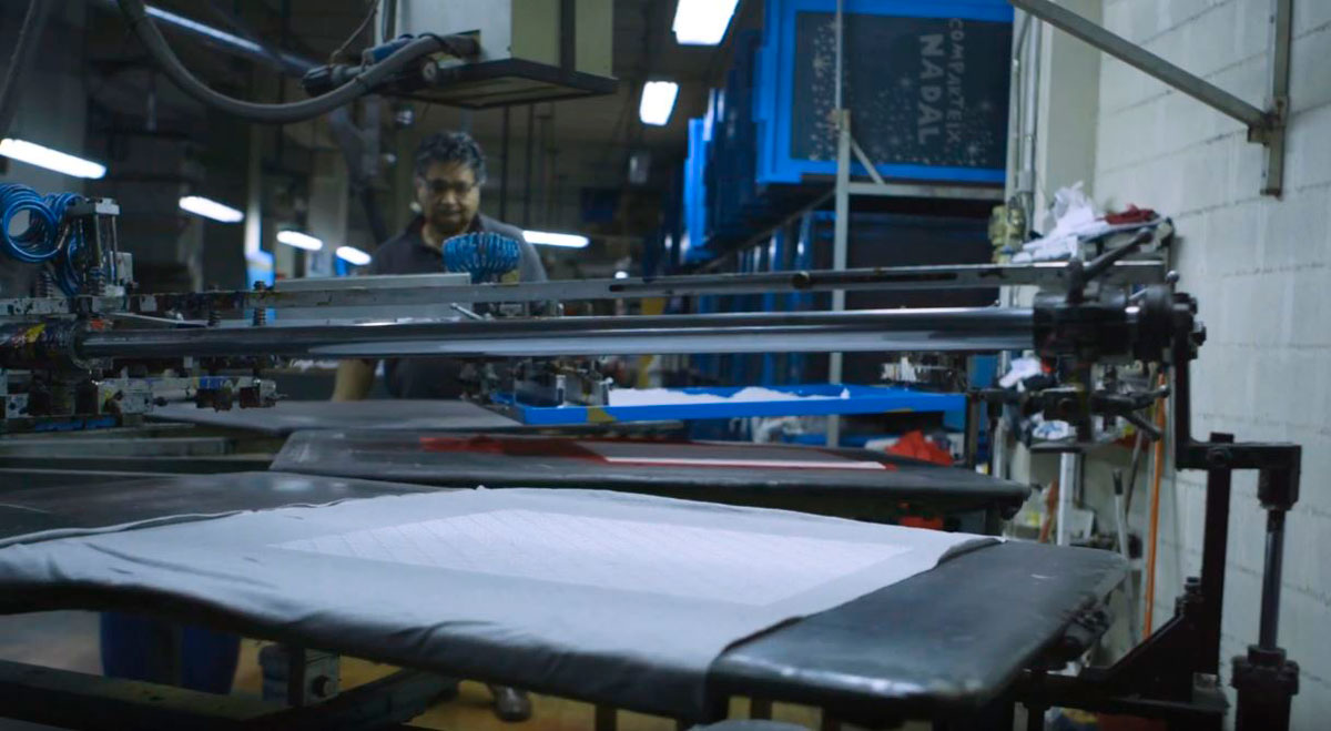 producción local de fundas para sillas de coche
